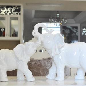Cặp voi phong thủy bằng sứ trắng